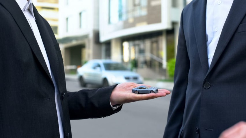 Top 5 Tips for Renting a Car in Dubai